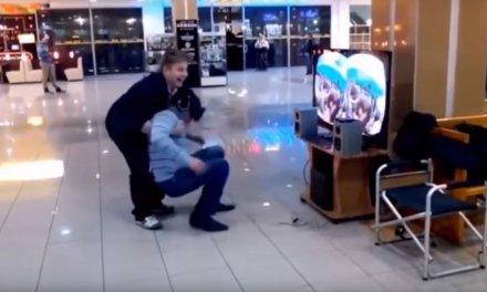 Compilatie van grappige virtual reality reacties